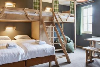 Loonsche Land Hotel - 6 persoons hotelkamer inrichting